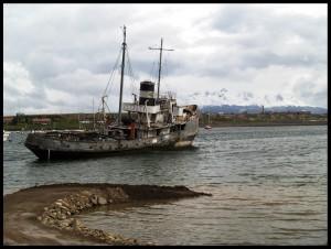 Barco varado en Ushuaia (Tierra de Fuego, Argentina) FOTO: JPB