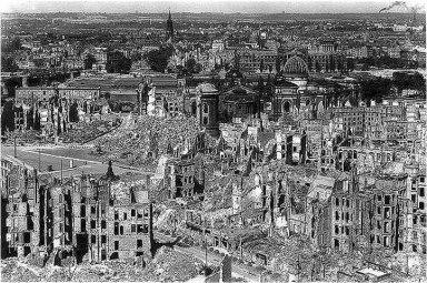 Dresden_bombardeada