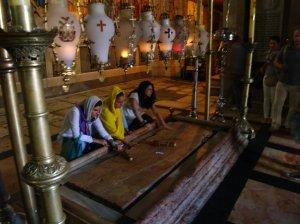 Losa de la Unción y Sudario de Jesús. Iglesia del Santo Sepulcro