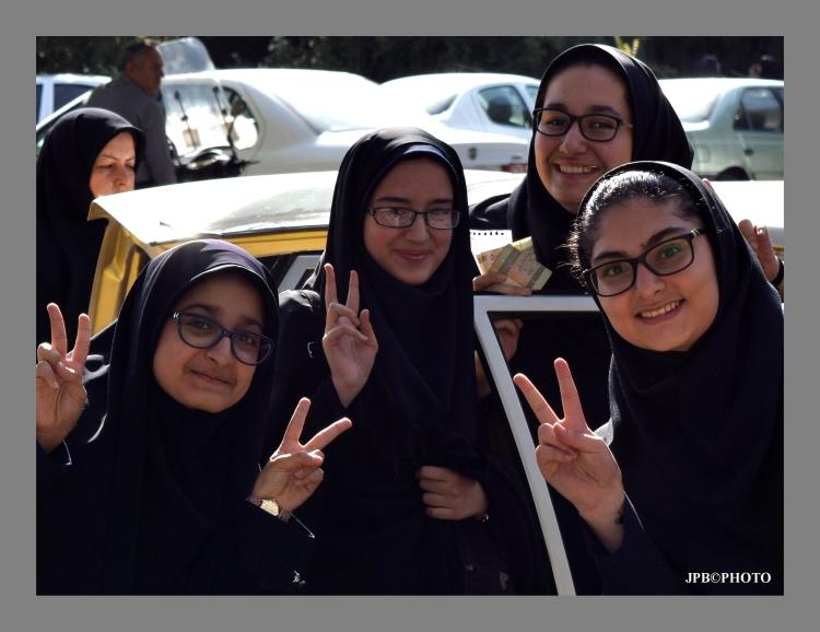 ESTUDIANTES IRANIES