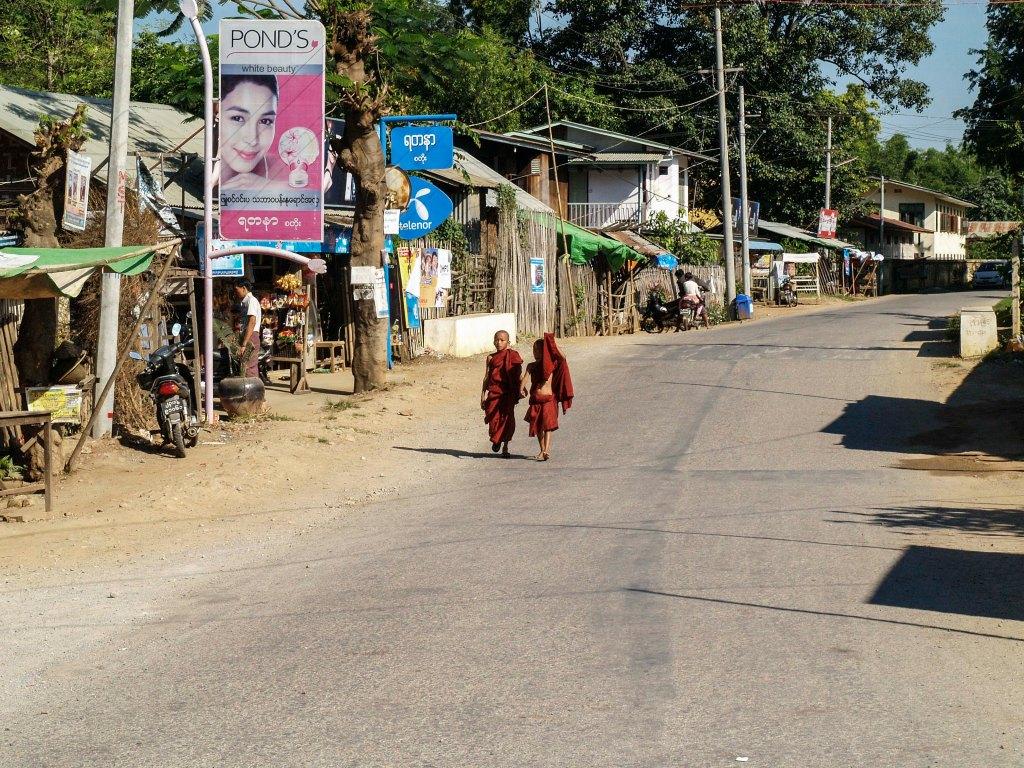 Impresiones personales de un pasado viaje a Birmania y comentarios sobre su situación actual.